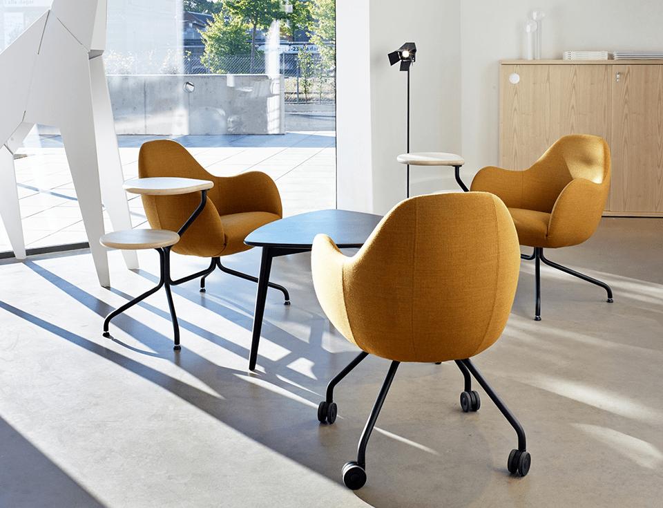 stole og møbler fra blå station