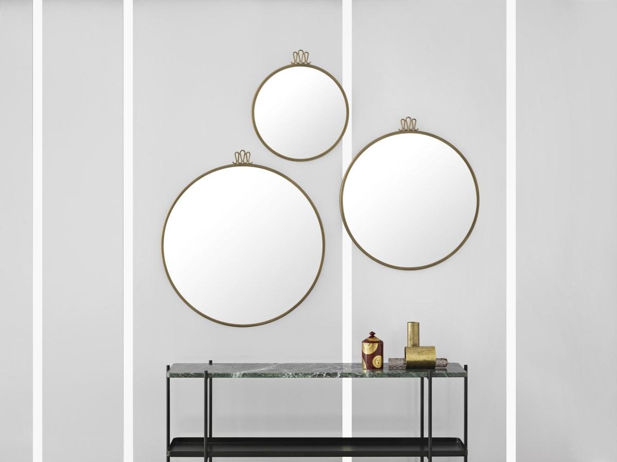 Tre forskellige spejle skaber liv, kant og dybde til kontorindretningen. Her er vist Randaccio fra GUBI